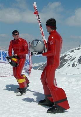Гонщики-участники скоростного спуска
