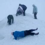 Сотни лыжников оказались в ловушке на горе Хатт в Новой Зеландии