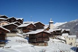 Дома в Гриментце поддерживаются в традициях деревянного зодчества.