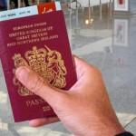 Не может быть, теперь ваш посадочный талон на самом деле поместится внутри вашего паспорта! Фото: Питер Смарт.