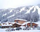 Сан Пикс является вторым по величине горнолыжным курортом в Канаде