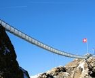 На курорте Глетчер 3000 открывается пешеходный мост между двумя пиками