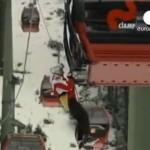 После падения дерева 200 лыжников оказались в ловушке в итальянской гондоле