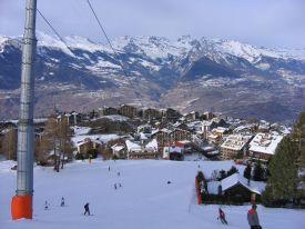 Трассы в Нандаз –ски-ин, ски-аут.