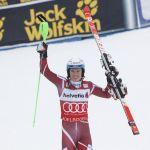 Хенрик Кристоферсен выигрывает слалом в Адельбодене, Хорошилов снова третий