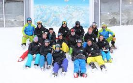 Snoworks предлагает большой выбор учебных курсов для инструкторов по горным лыжам и сноуборду.