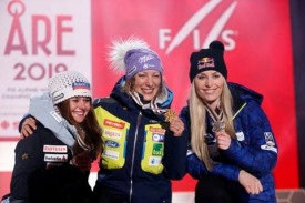 Are Ladies Downhill STUHEC SUTER Vonn